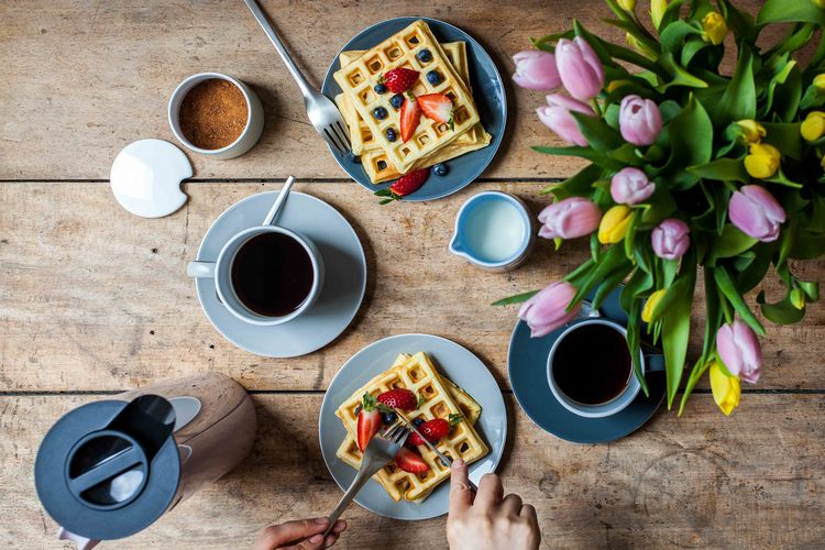 Sunday+Belgian+Waffles+-+www.madelinelu